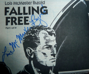 LMB signs my copy of her first appearance in Analog! Yesss!